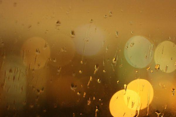 Hladno, mestimično s kišom