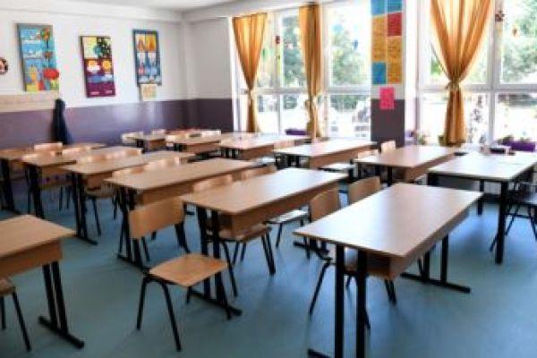 Prosvetni radnici traže da i mlađi razredi pohađaju nastavu od kuće