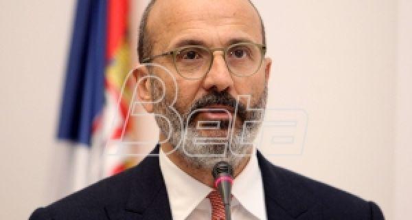 Fabrici: Danas i sutra stižu dva aviona u Srbiju sa medicinskom opremom