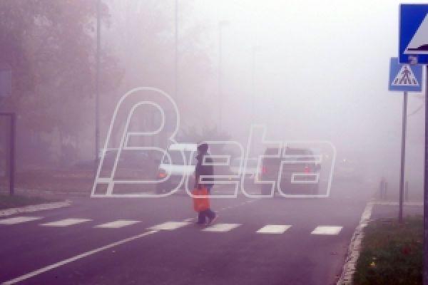 АМСС: Опрез због поледице на коловозу, смањена видљивост на северу Војводине