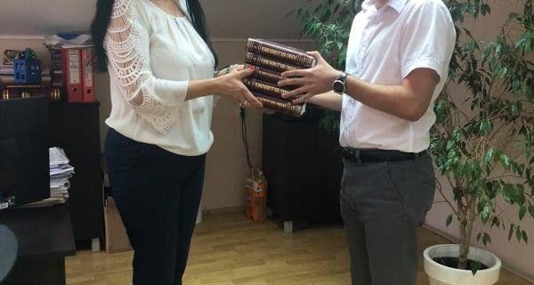 Eparhija šabačka poklonila školama knjige