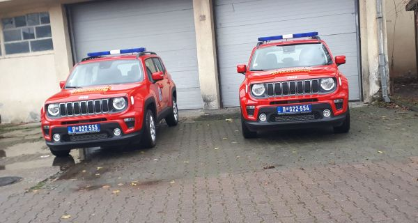 Dva Džipa za vatrogasce spasioce