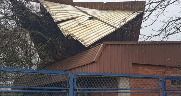 Vetar podigao krov
