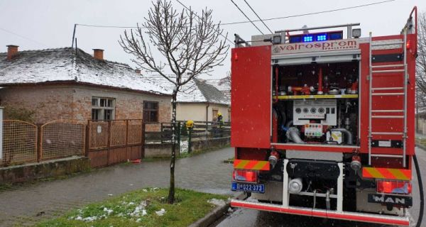 Paklen snežni dan za šabačke vatrogasce