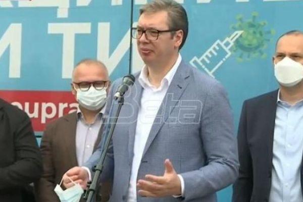 Вучић апеловао на грађане да се вакцинишу против короне