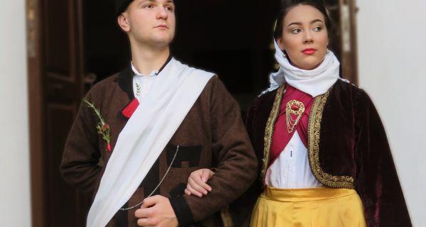 Mladina nošnja prezentovana  u Sovljaku
