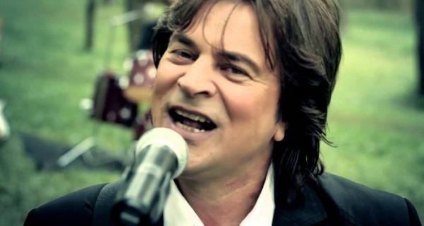 Pevač ulazi u politiku zbog migranata
