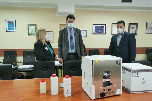 Grad Šabac donirao kovid ambulanti aparat za brzu analizu krvne slike