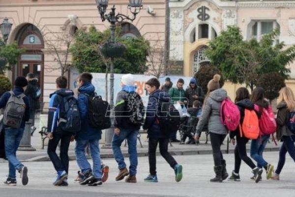 Унија СПРС: Образовање не занима власти, све више заражених наставника