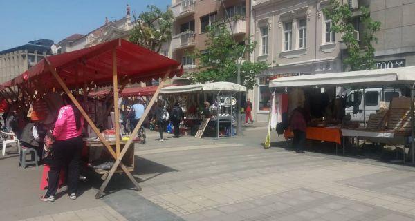 Данас отворен Васкршњи базар старих и уметничких заната