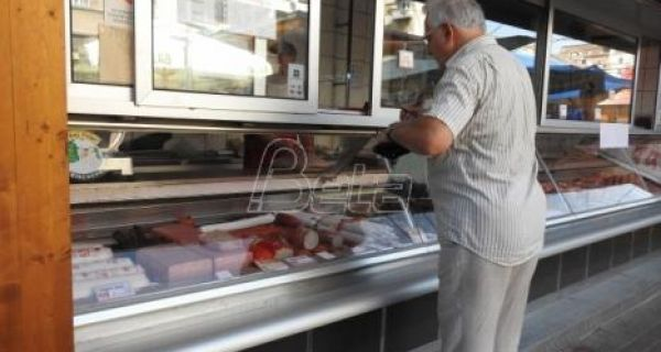 Potrošači u Srbiji od mesnih prerađevina najčešće kupuju šunku i salamu