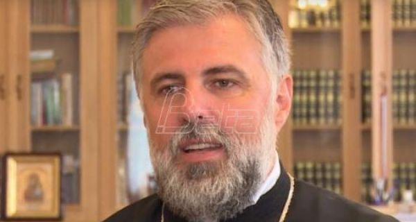 Владика Григорије: Причешће не може да буде извор заразе, али - не кушајте Бога