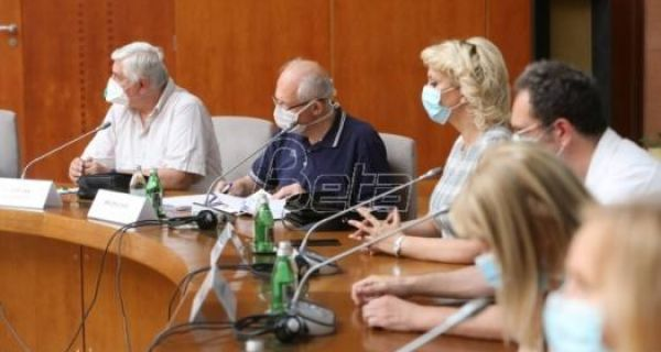 U Srbiji umrlo još 11 osoba, 351 novozaražen