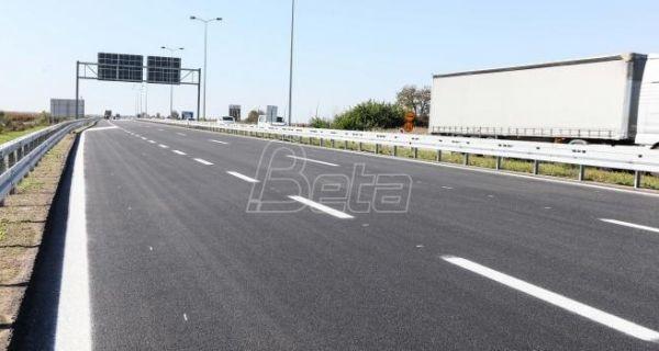 AMSS:Dobri uslovi za vožnju, popodne moguće gužve i zastoji