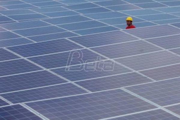 Mihajlović: Država obezbeđuje polovinu sredstava za solarne panele