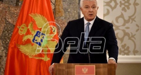 Премијер Црне Горе: Нећемо уређивати ко ће ићи у цркве, али оне припадају држави