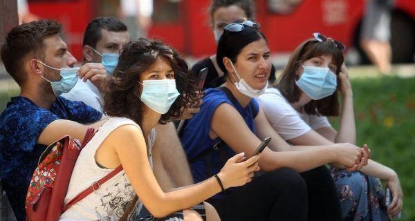 Korona virus: Vanredna situacija u sve više gradova u Srbiji, Amerika slavi Dan nezavisnosti bez svečanosti