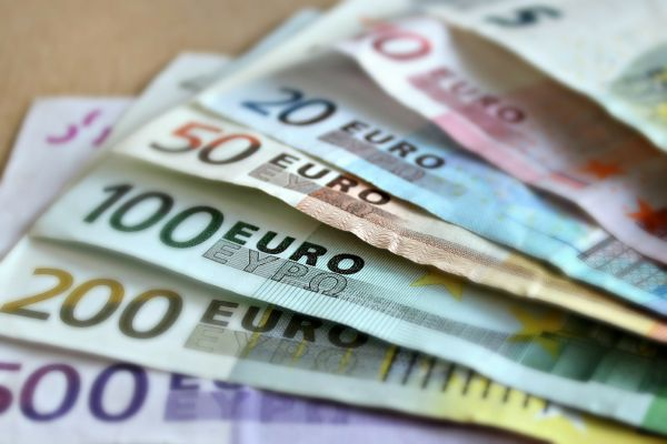 За новчану помоћ од 60 евра пријавило се 4.076.127 грађана