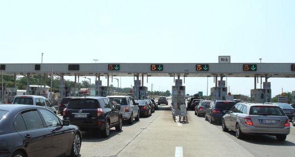 Pojačan saobraćaj, na Horgošu čekanje pet sati