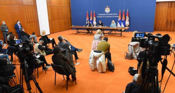 Конференције за  новинаре без новинара