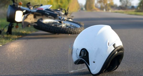 Mladić poginuo na motoru