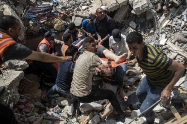 Број погинулих у нападу на три зграде у Гази повећао се на 33