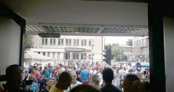 Izdali ste Kosovo