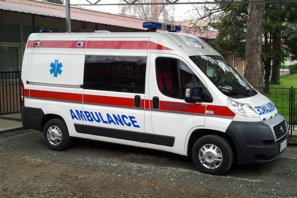 Hitna pomoć: 64 ambulantnih i 17 pregleda na terenu