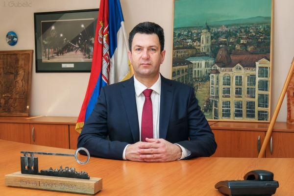 Градоначелник честитао Божић по грегоријанском календару