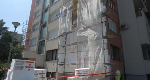 U toku sanacija fasade u Janka Veselinovića