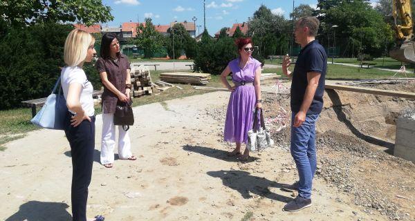 Gradonačelnik obišao radove na izgradnji fontane i platoa u Velikom parku