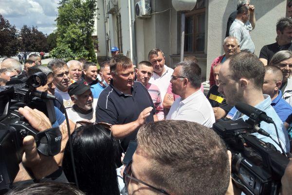 Protest stočara u centru Bogatića