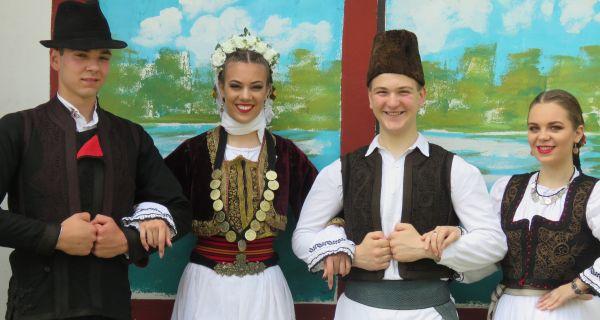 Мачвани на Фестивалу народне песме и лепоте  у Книћанину  код Зрењанина