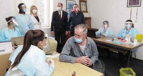 Vakcinacija meštana Prnjavora, Ribara i Petkovice