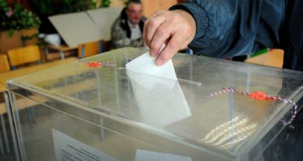 Локални избори у пет општина
