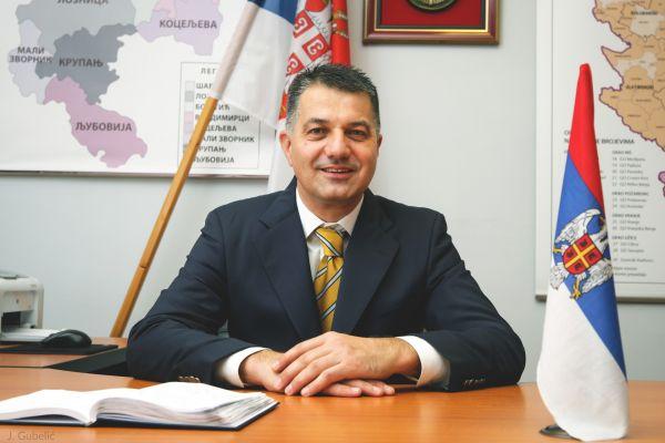 Божићна честитка Владана Красавца, начелника Мачванског управног округа