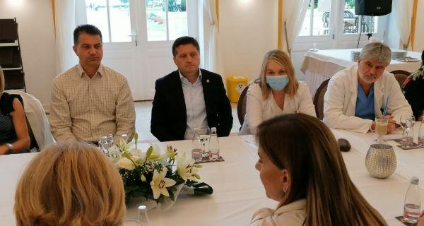 Бања Ковиљача: Здравствена заштита и рад здравствених установа у време пандемије корона вируса
