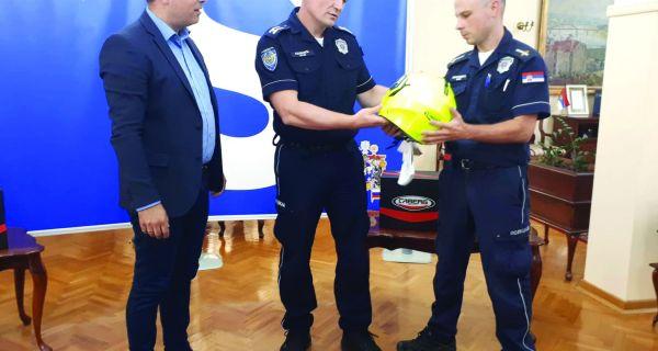 Saobraćajni policajci dobili kacige