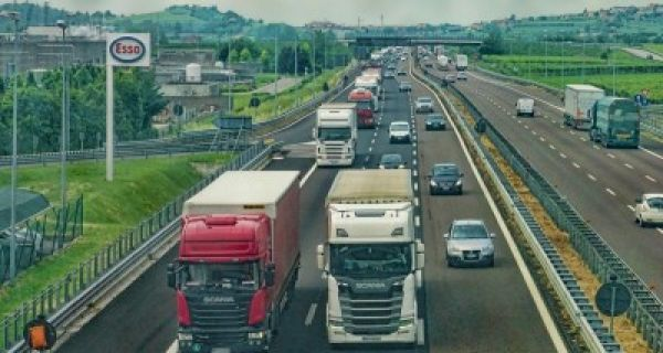 AMSS: Kamioni 12 sati na Batrovcima i osam na Bačkoj Palanci