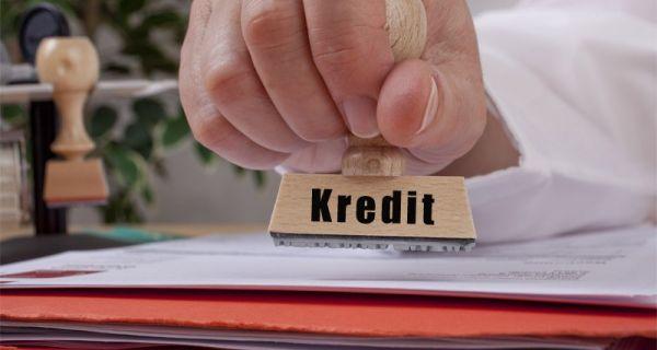 Укупни кредити у августу већи за 2,4 одсто
