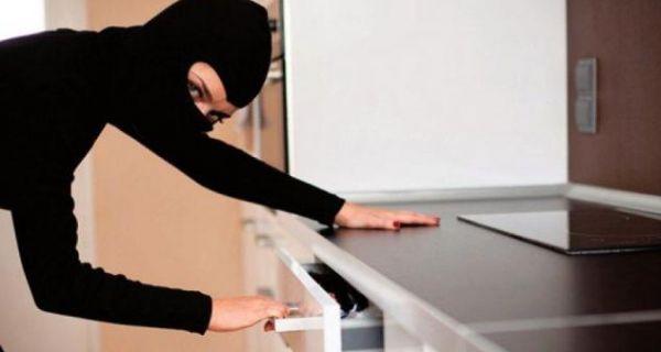 """Ухапшена крадљивица: """"Покупила"""" два милиона динара"""
