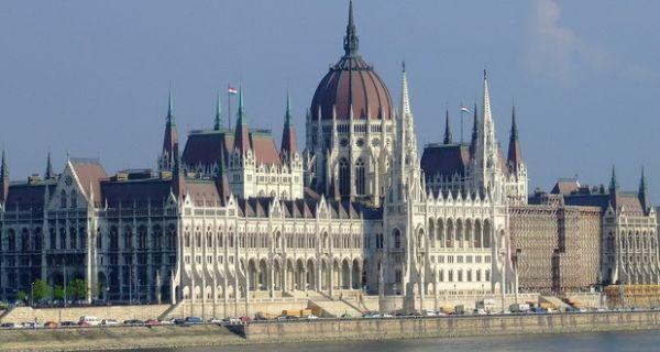 Србија ће на самиту у Будимпешти потписати нове уговоре са Кином