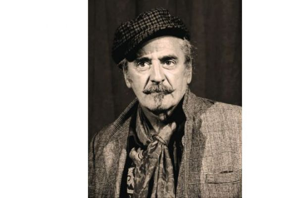 IN MEMORIAM МЛАДЕН ОГЊАНОВИЋ (1950-2021): Мирис бензина уместо мастикса
