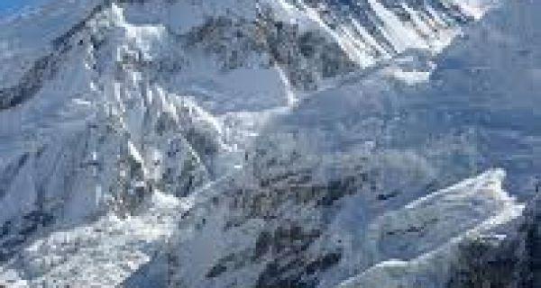 Kinezi se prvi popeli na Mont Everest ove godine