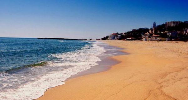Политика: Шест пута скупље полисе за туристичке агенције, могуће поскупљење аранжмана