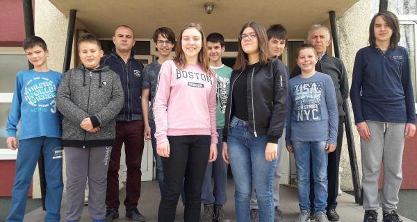 """За """"Николајевце"""" осам награда са државног такмичења из физике"""