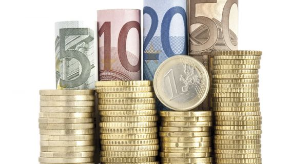Мања промена у односу валута