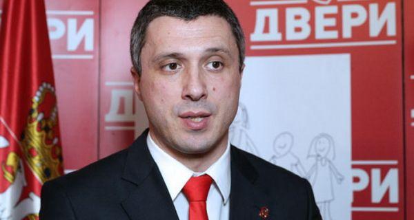 Бошко Обрадовић (Двери): Присиљавање људи да иду на митинг СНС је крај демократије