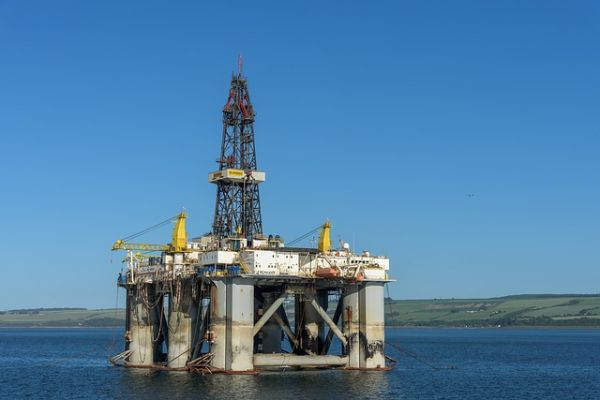 Proizvodnja nafte ne raste, ali raste cena