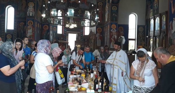 Zaupokojena litrugija i parastos u hramu Svetog Vasilija Ostroškog